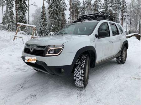 Reflektory Dacia Duster (1)